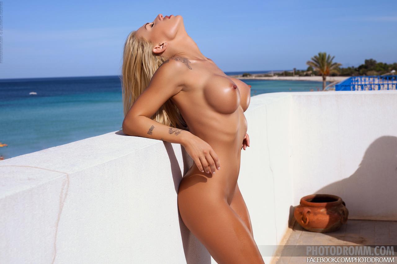 Голое тело блондинок